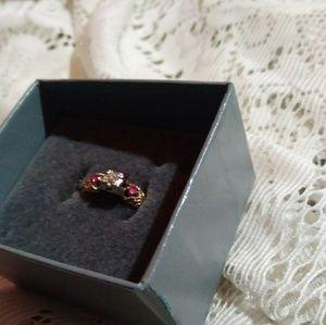 Vintage 18K Gold Stamped Diamond & Ruby Ring